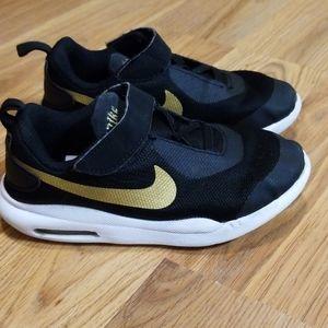Boys Nike slip on Velcro shoes size 10